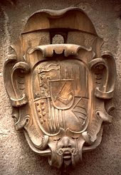 Spadafora: Stemma soprastante l'ingresso del Castello