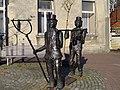 Statue Wurstaufholer Gescher (6385514727).jpg