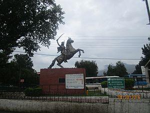Solan district - A Statue at Solan