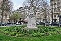 Statue de Dumas-fils, place du Général-Catroux, Paris 17e.jpg
