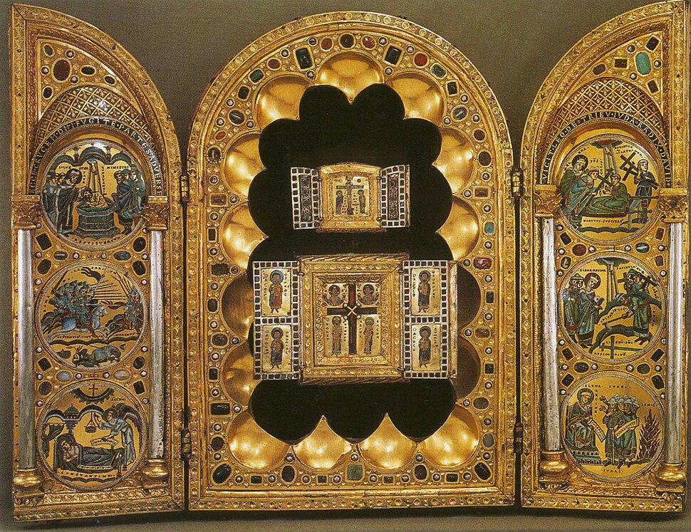 Stavelot.Triptych