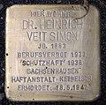 Stolperstein Hindenburgdamm 11 (Lifel) Heinrich Veit Simon.jpg