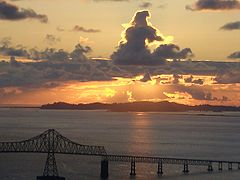 Sunset over bridge, Astoria, Oregon.jpg
