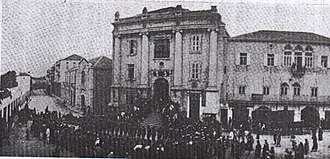 Battle of Mughar Ridge - New Zealand Mounted Rifles Brigade accept surrender of Jaffa at town hall