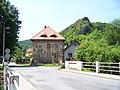 Svatý Jan pod Skalou, u mostu.jpg