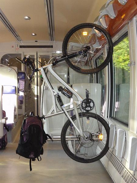File:TER Nord-Pas-de-Calais - Transport des vélos dans les trains.JPG