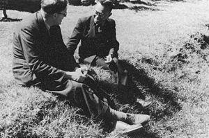 Joseph Needham - Tang Fei-fan and Joseph Needham in Kunming, Yunnan 1944