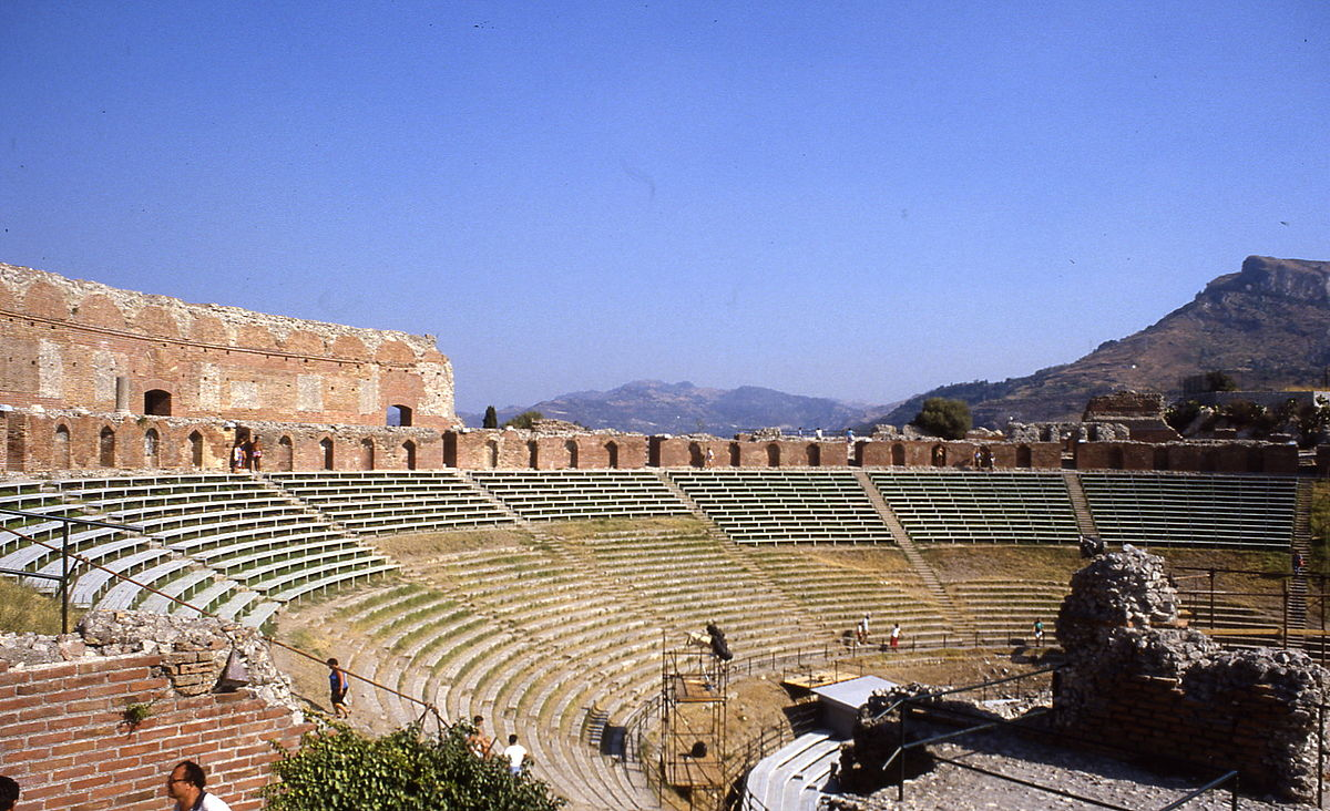 Résultats de recherche d'images pour «théâtre romain à Taormina»
