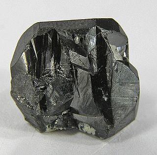Tapiolite oxide mineral