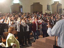 Résultats de recherche d'images pour «renouveau charismatique catholique»