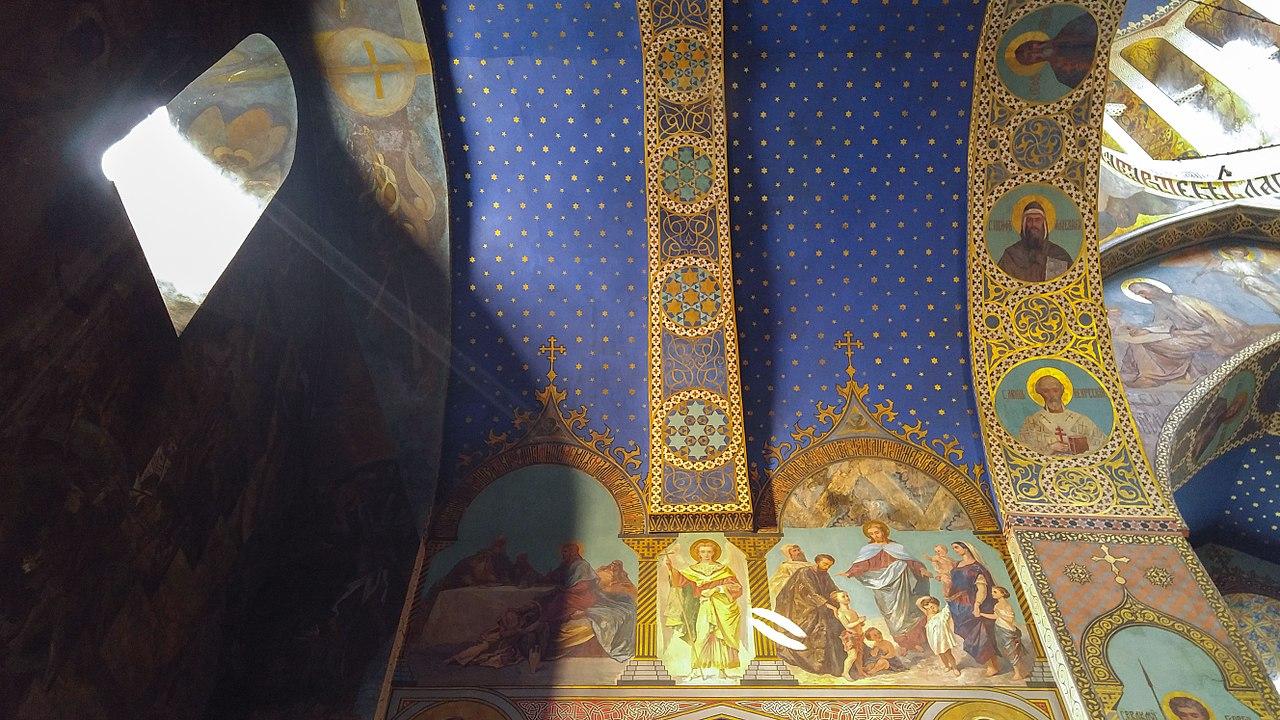 نقش و نگارهای دیواره یک کلیسای ارتدکس در شهر تفلیس پایتخت گرجستان