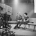 Televisieopname van Anneke Beekman en Louis Frequin, Bestanddeelnr 913-2477.jpg