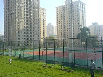 Hiranandani Estate - Image: Tenniscourts