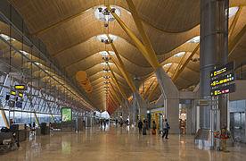 Terminal 4 del aeropuerto de Madrid-Barajas, Espa%C3%B1a, 2013-01-09, DD 05