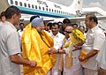 The Prime Minister, Dr. Manmohan Singh being welcomed by the Chief Minister of Tamil Nadu, Dr. Kalaignar M. Karunanidhi, on his arrival at Chennai Airport on September 05, 2008.jpg