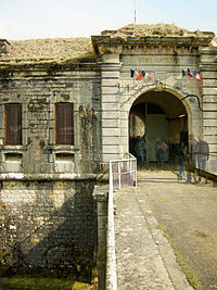 Thomas Bresson - Fort-vez-3 (by).jpg