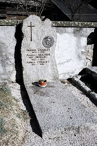 Armand Charlet - Charlet's tomb in Argentière