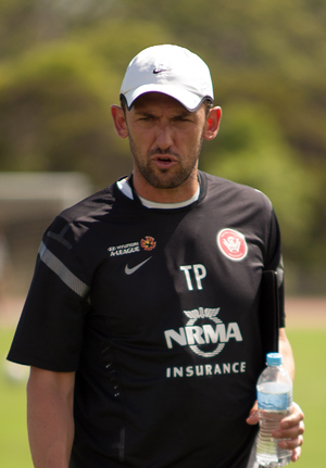 Tony Popovic - Image: Tony Popovic Managing Western Sydney Wanderers Training