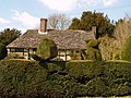 Topiary and Priest House West Hoathly - geograph.org.uk - 1469118.jpg