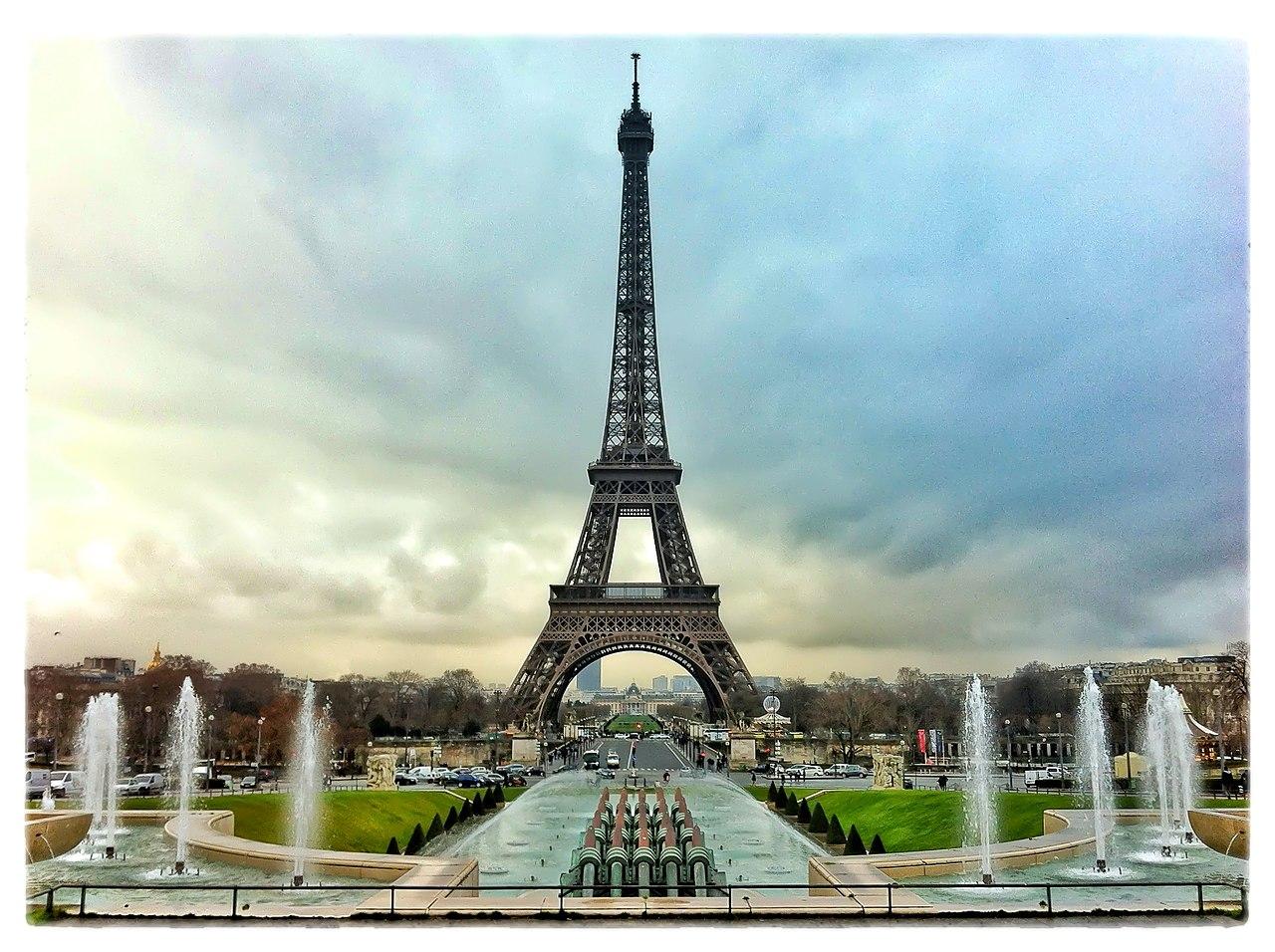 File:Tour Eiffel - 25 Janvier 2012 - Paris, FRANCE.JPG ...