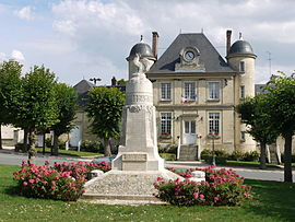 The town hall and war memorial of Nesles-la-Vallée