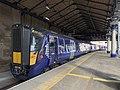 Trains in Glasgow Queen Street station 05.jpg