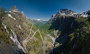 Лестница троллей (Дорога троллей) - Западные фьорды