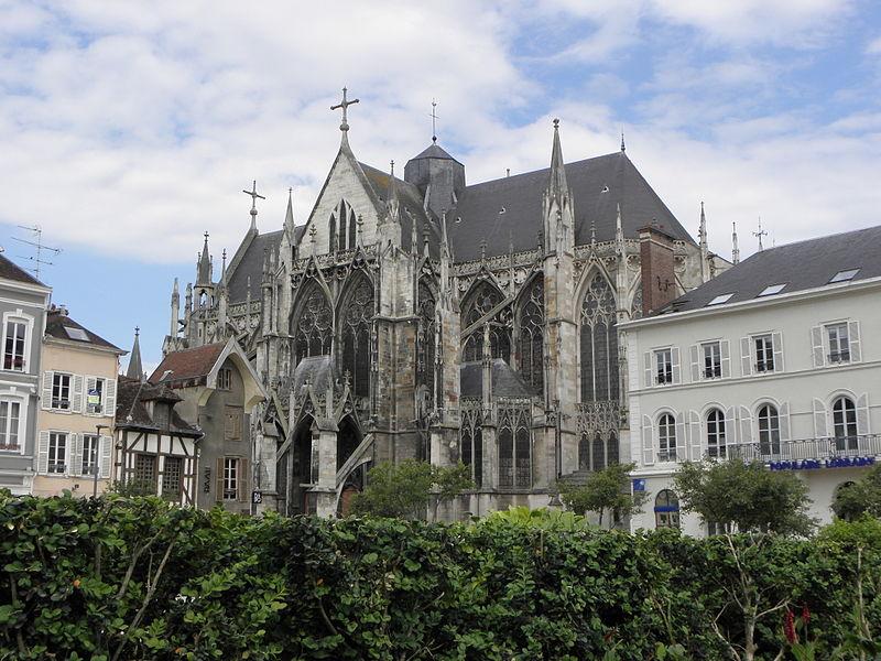 Vue méridionale de la basilique Saint-Urbain de Troyes (10).