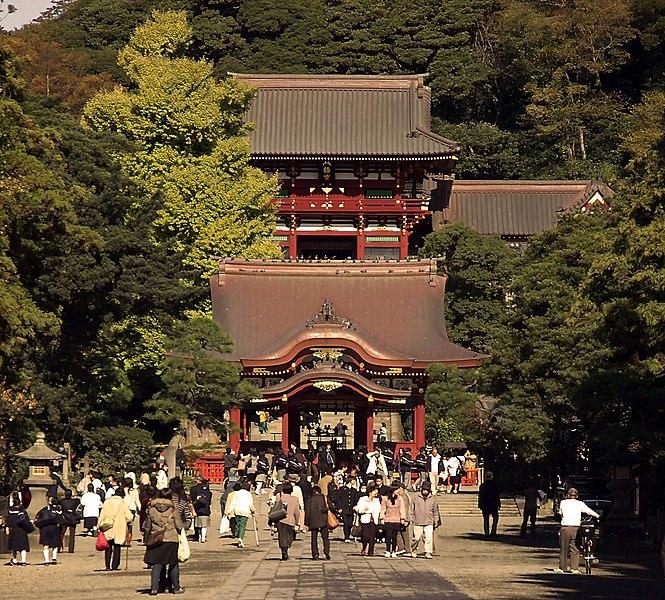 File:TsurugaokaHachiman-M8867.jpg