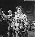 Twaalfhonderdvijftig keer Rooie Sien , hoofdrolspeelster Beppie Nooy in de bloem, Bestanddeelnr 920-9132.jpg