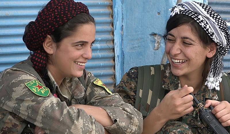 File:Two YPJ fighters laugh.jpg