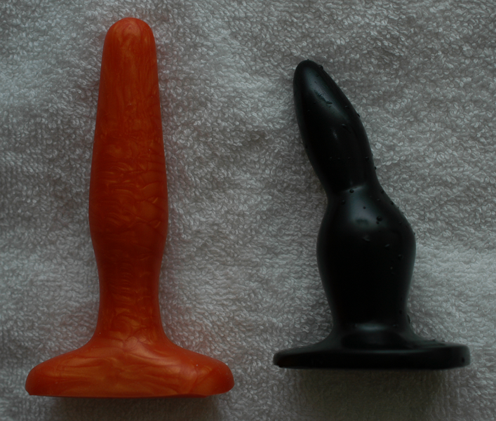 Файл:Two butt plugs.png