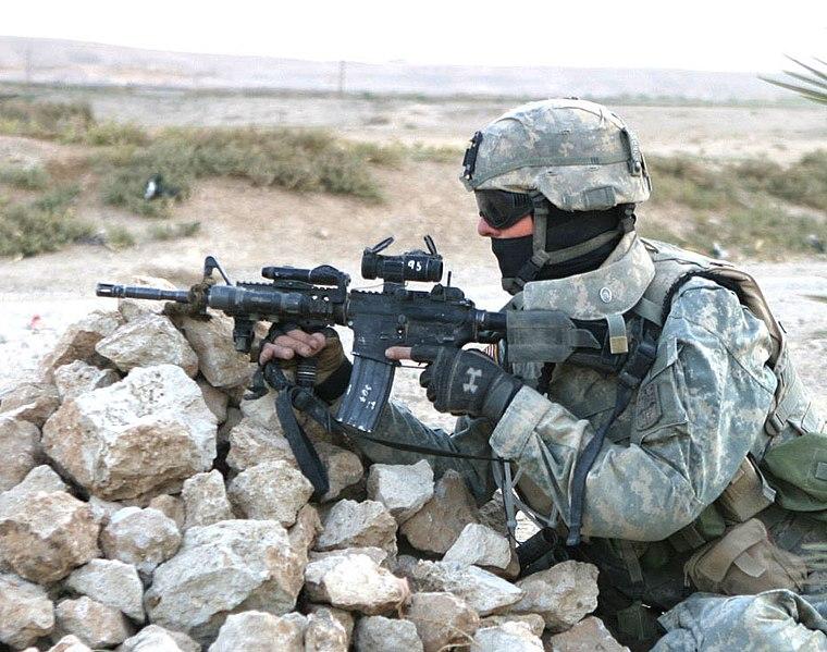 ファイル us army soldier taking cover jpg wikipedia
