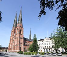 Uppsala cathedral with Dekanhuset.jpg