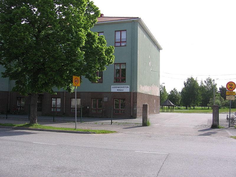 File:Uudenkoiviston koulu.jpg