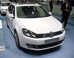 VW Golf Variant TSI BlueMotion Facelift.JPG
