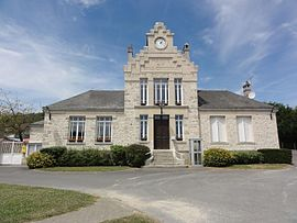 The town hall and school of Vendresse-Beaulne