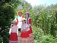 Vestimenta Típica del Cañon del Colca.jpg