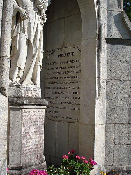 Vierge de Durnes (Doubs, France): détail du texte situé à l'intérieur.