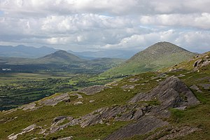 English: View north from the Healy Pass View t...