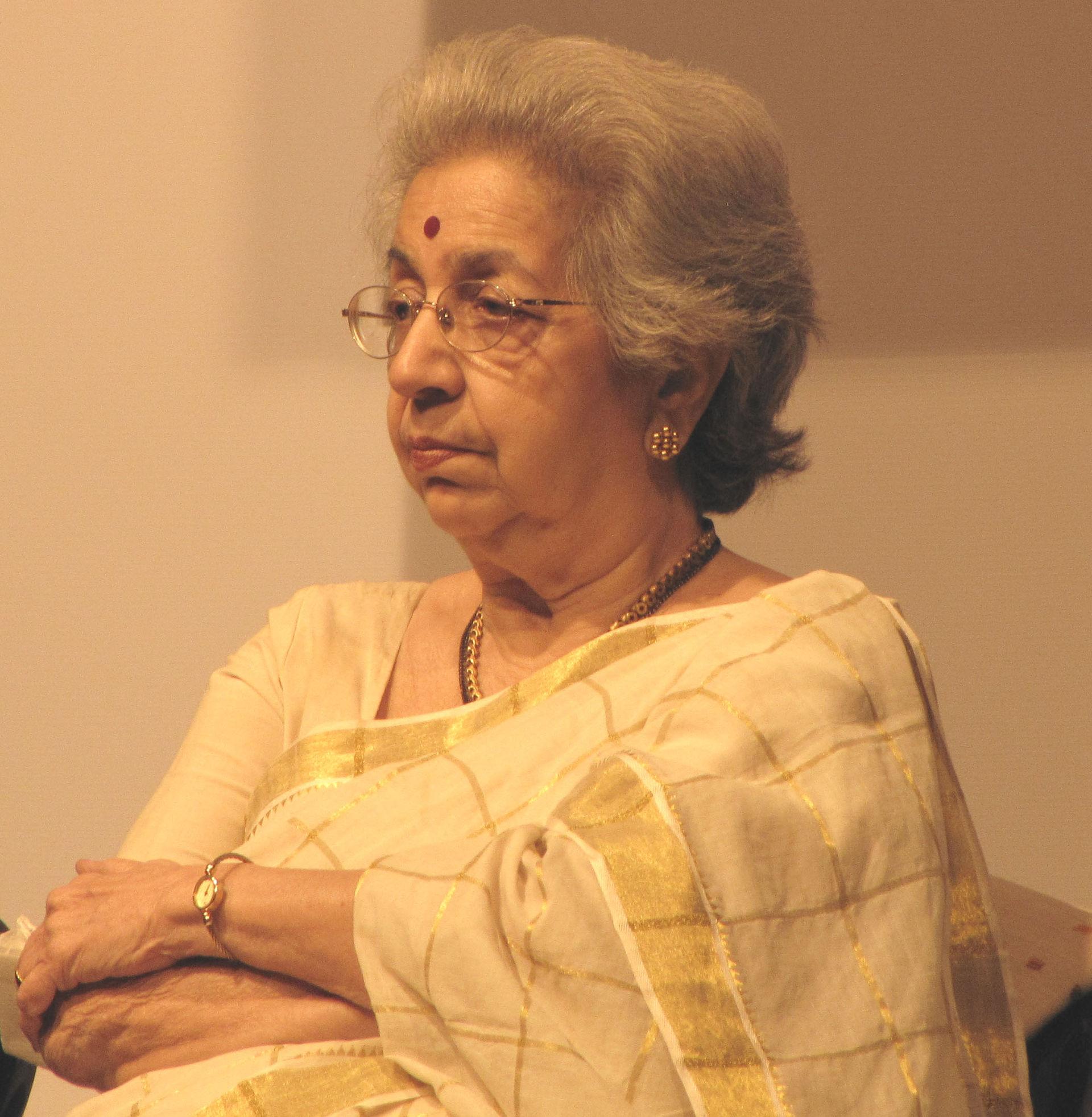 Vijaya mehta wikipedia for K murali mohan rao director wikipedia