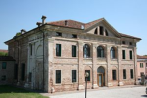 Villa Thiene - Rear facade; it debatable how much of the design is attributable to Palladio, but there is Palladian detailing visible on the left-hand side of the building.