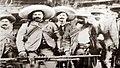 """Villa en Tlahualilo, tras vencer a los """"colorados"""" orozquistas el 8 de mayo de 1912. (Fotografía Archivo Histórico de Durango).jpg"""