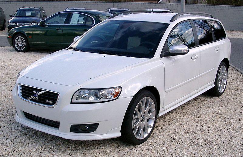 http://upload.wikimedia.org/wikipedia/commons/thumb/5/5e/Volvo_V50_front_20080202.jpg/800px-Volvo_V50_front_20080202.jpg