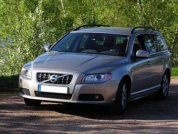 Volvo V70 Kvarntjärn.JPG