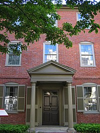 Wadsworth-Longfellow House Front.JPG
