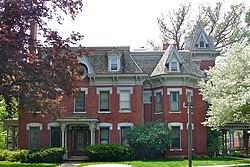 Weyerhaeuser House - WikiVisually