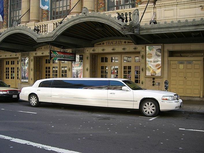 White limousine.jpg