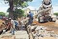 Workers in Plaza las Victorias (Managua).jpg