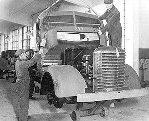 Vanajan Autotehdas - The penultimate Sisu S-22 being built in the Yhteissisu plant